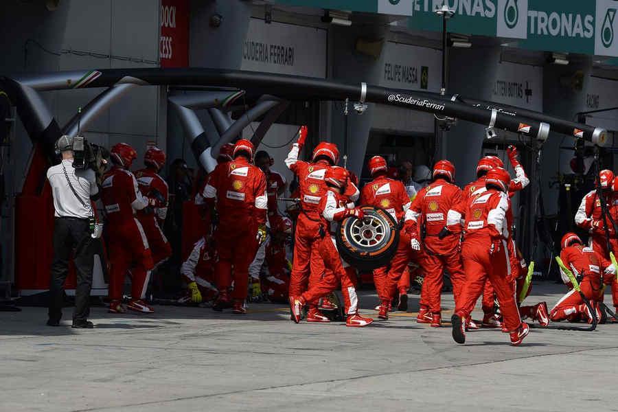 Photo of F1 Pneumatici Pirelli P Zero 2015 Gp Malesia