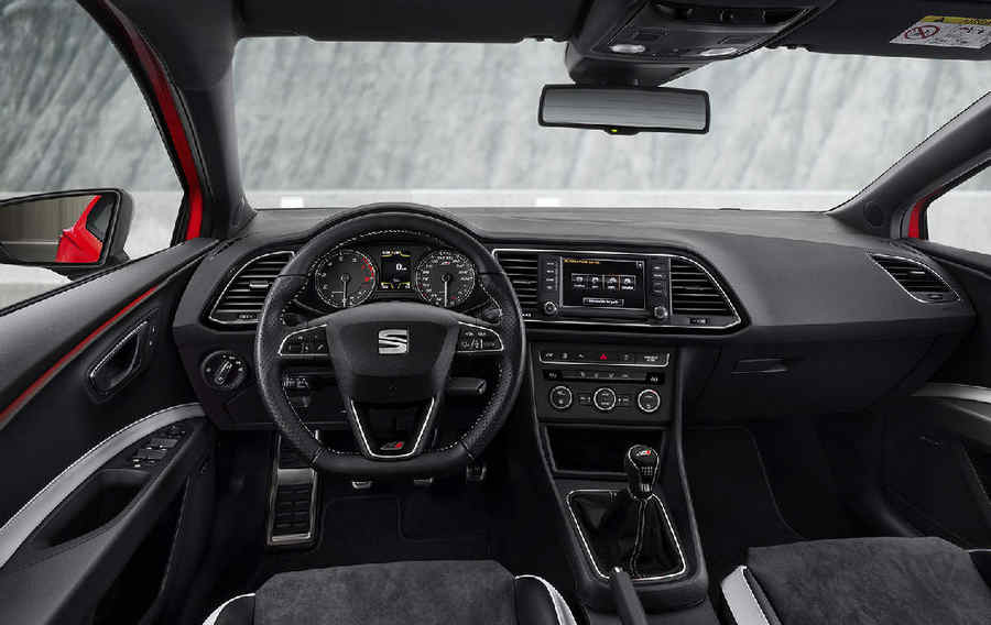 Photo of Seat Leon Cupra ST 265/280 – Interni e motore