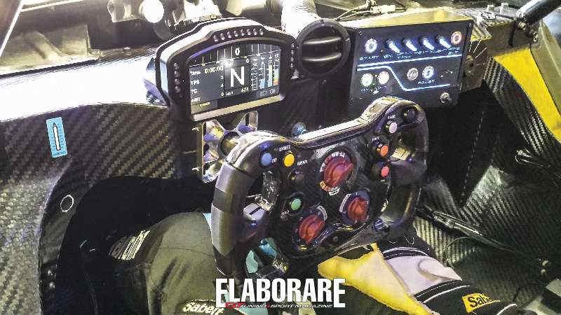 Strumentazione  volante della Renault R.S. 01