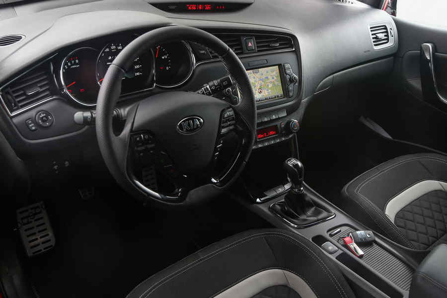 Photo of KIA CEE'D GT LINE 2015 INTERNI