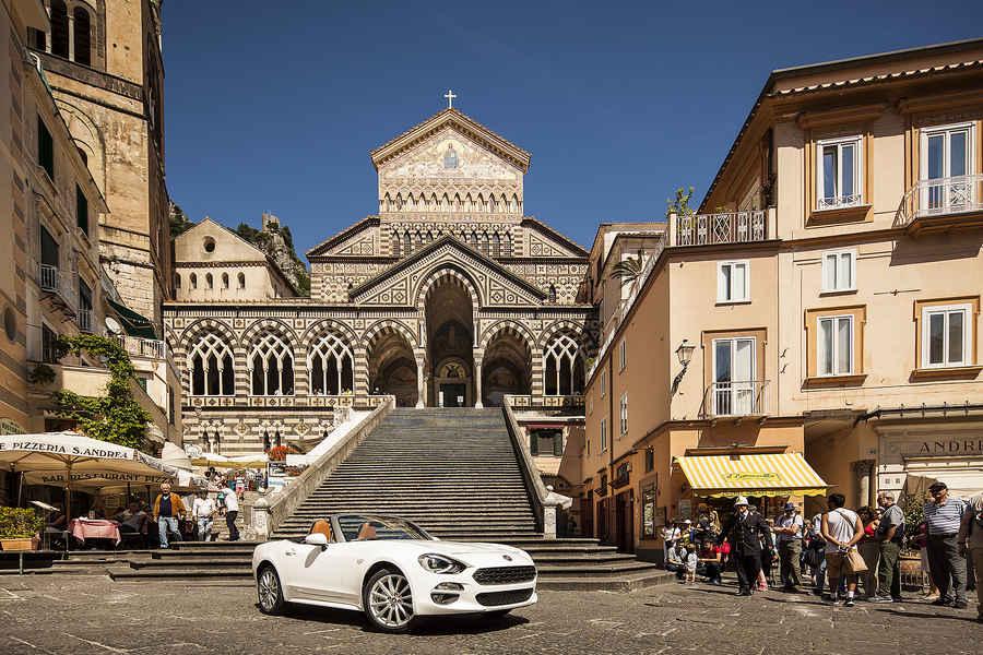 italy, campania, gulf of salerno, amalfi coast: Amalfi, piazza Duomo