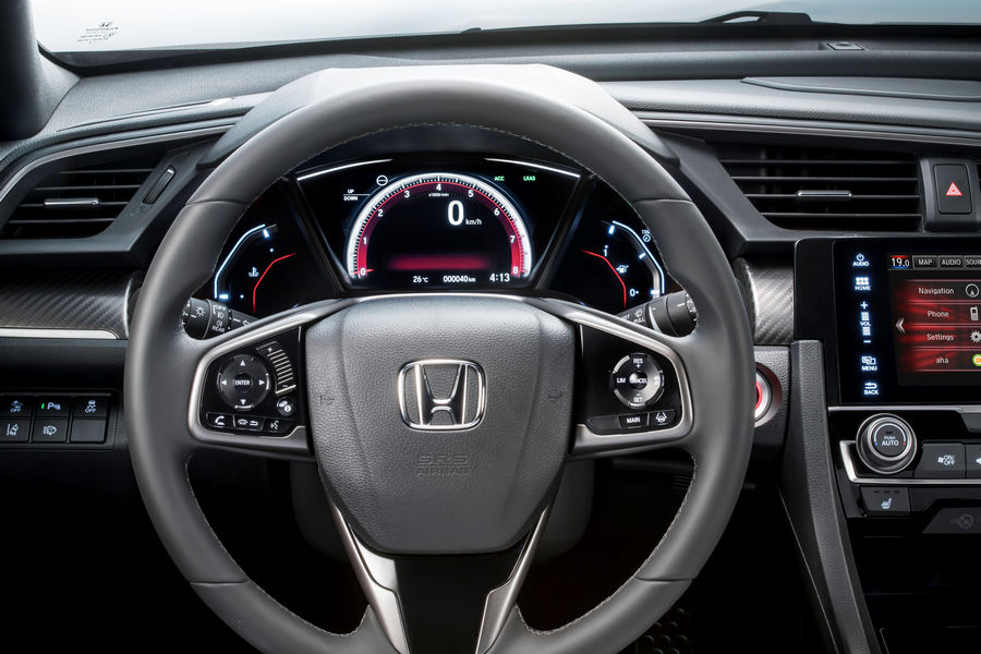 Volante, abitacolo nuova Honda Civic 2017