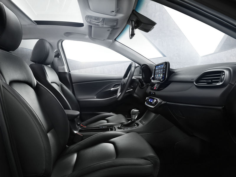nuova-hyundai-i30-wagon-2017-6