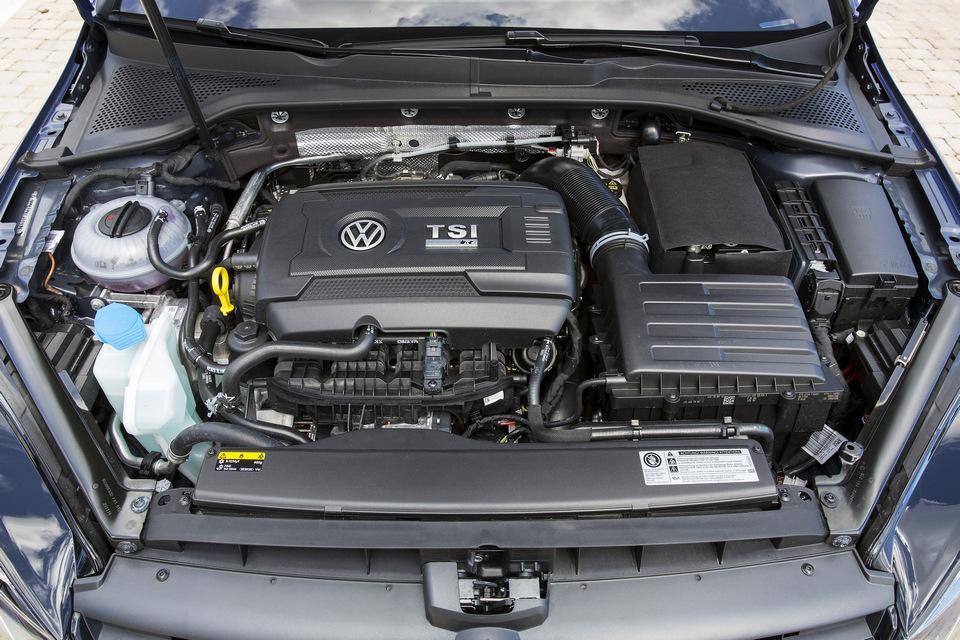 Volkswagen_Golf_R_Dettagli_2017_prime_immagini_07