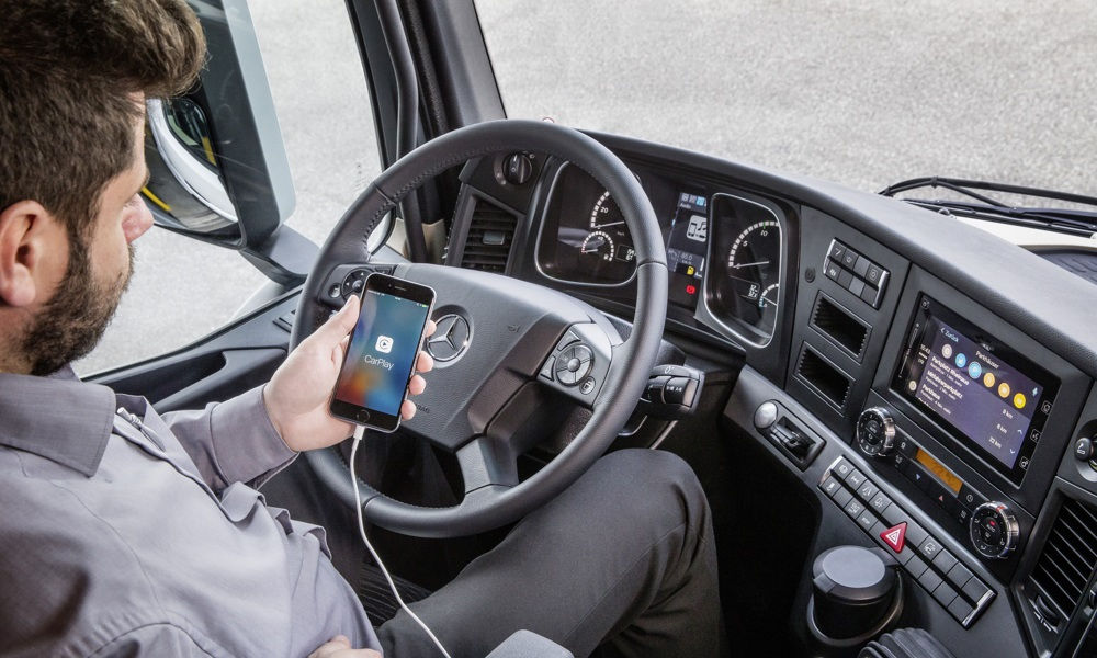 Photo of Mercedes-Benz Truck Apple Carplay Ed Android Mirrorlink
