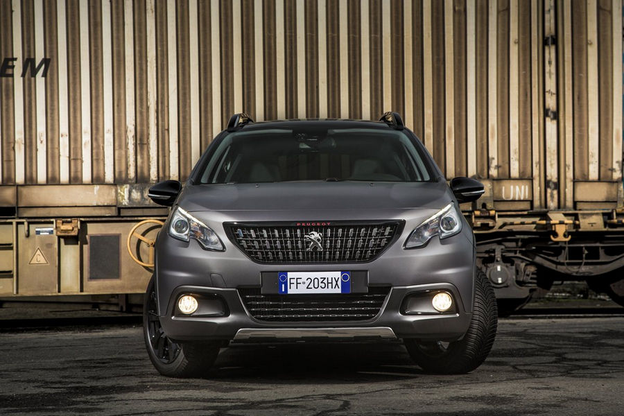peugeot-suv-2008-black-matt-7