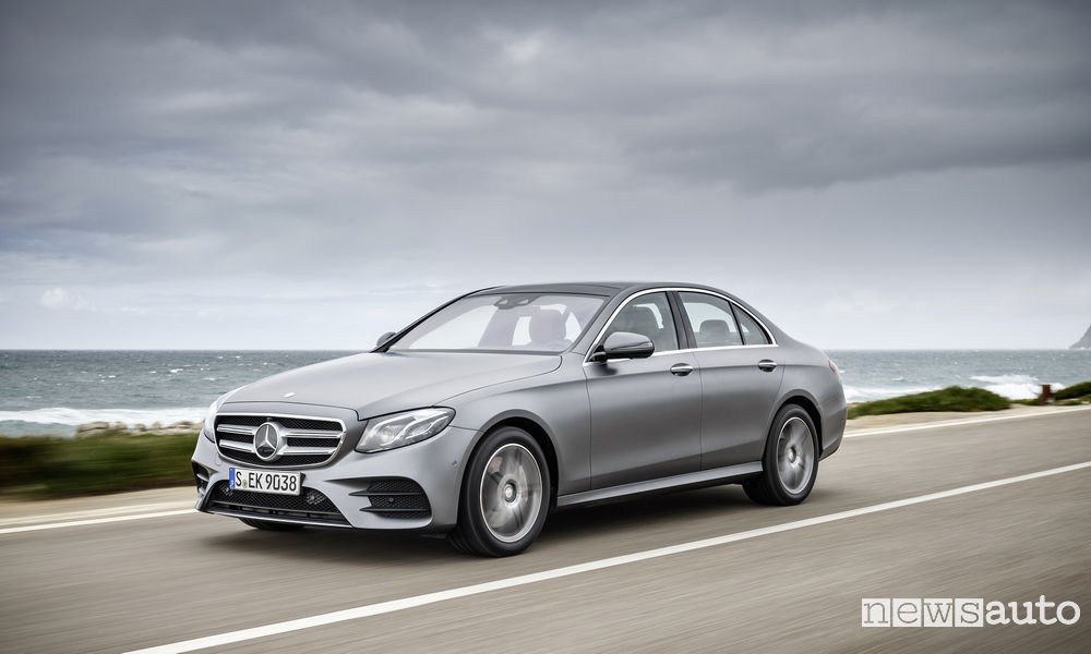 Photo of Mercedes-Benz Classe E Voicetronic