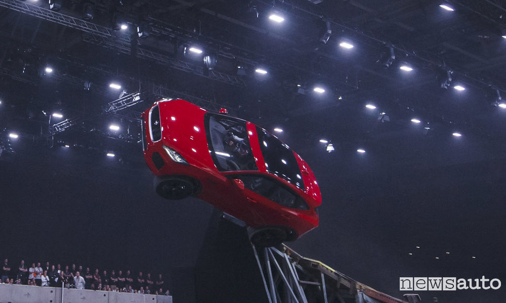 Photo of Nuova Jaguar E-Pace Guinness World Record