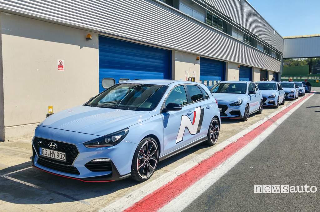 Hyundai i30 N schierate in pista a Vallelunga