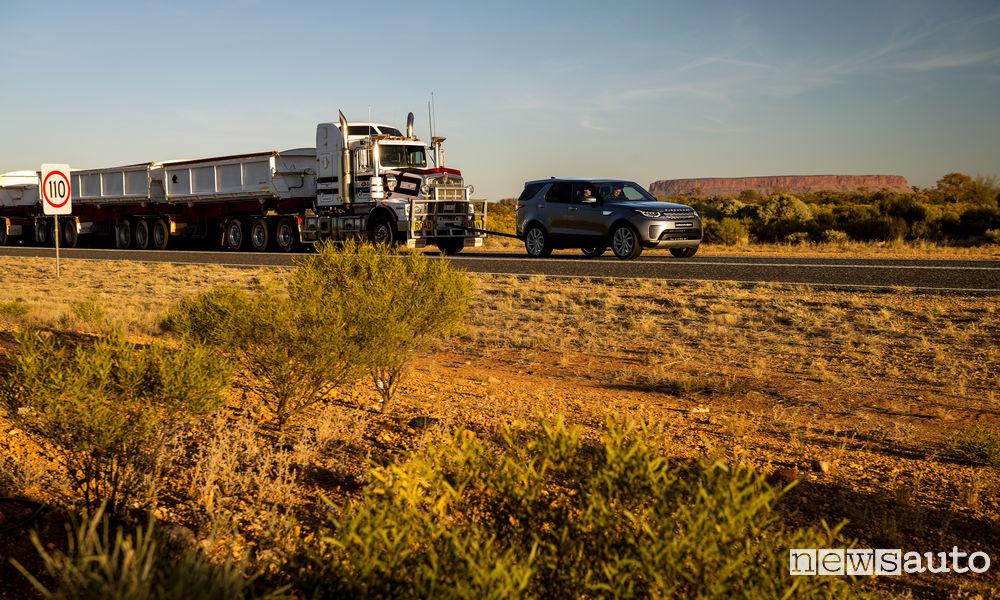 Photo of VIDEO Discovery traina un road train per 16 km