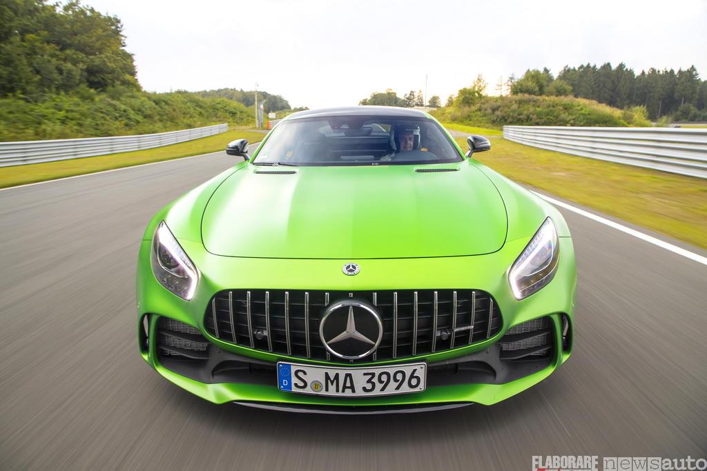 Mercedes-AMG test GT R