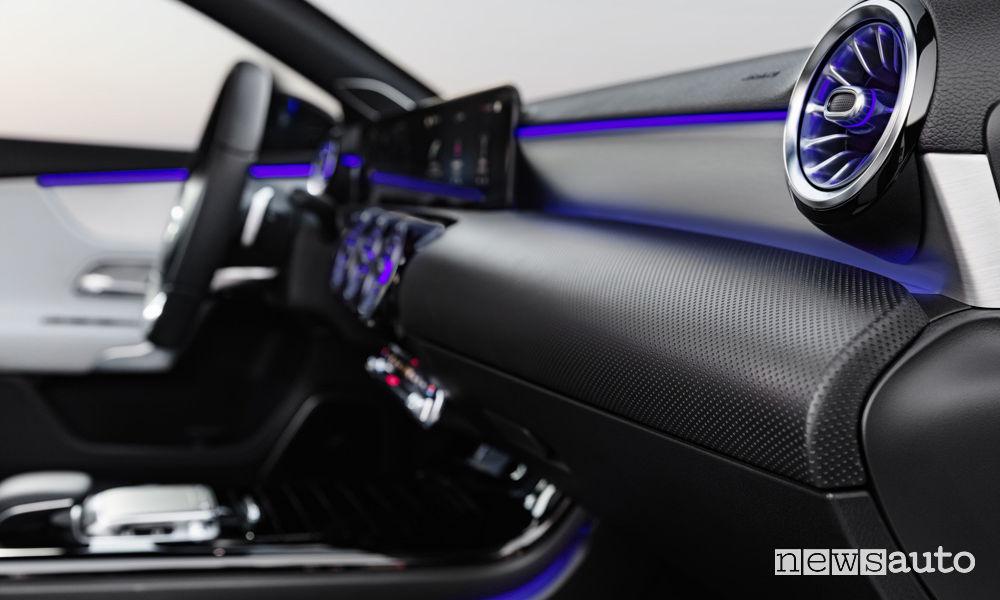 Interni Mercedes-Benz nuova Classe A