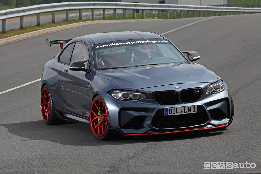 BMW M2 CSR vista frontale