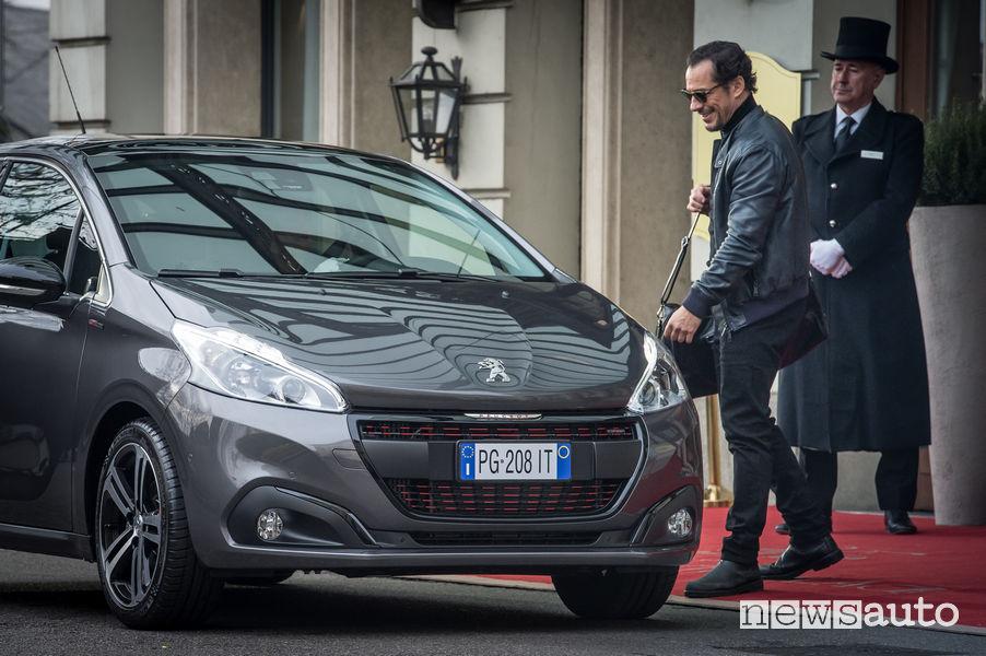 Spot Tv Peugeot 208 Stefano Accorsi