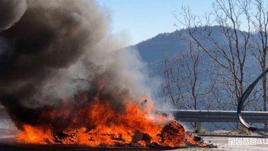 Photo of Alpine A110 a fuoco durante un test