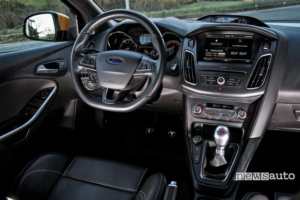 Ford Focus ST interni