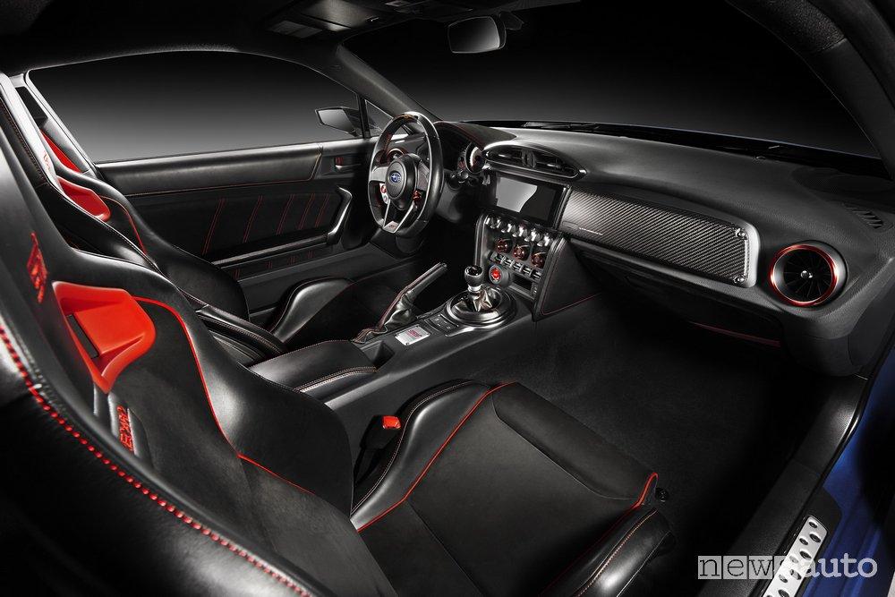 foto Subaru STI interni