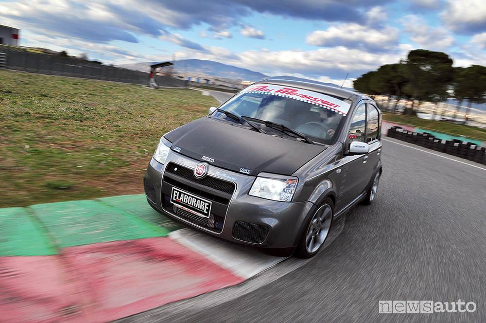 Fiat Panda Turbo in pista