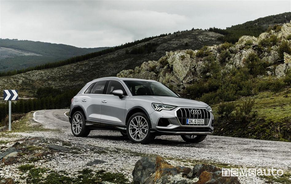 Nuova Audi_Q3 2019 vista di profilo