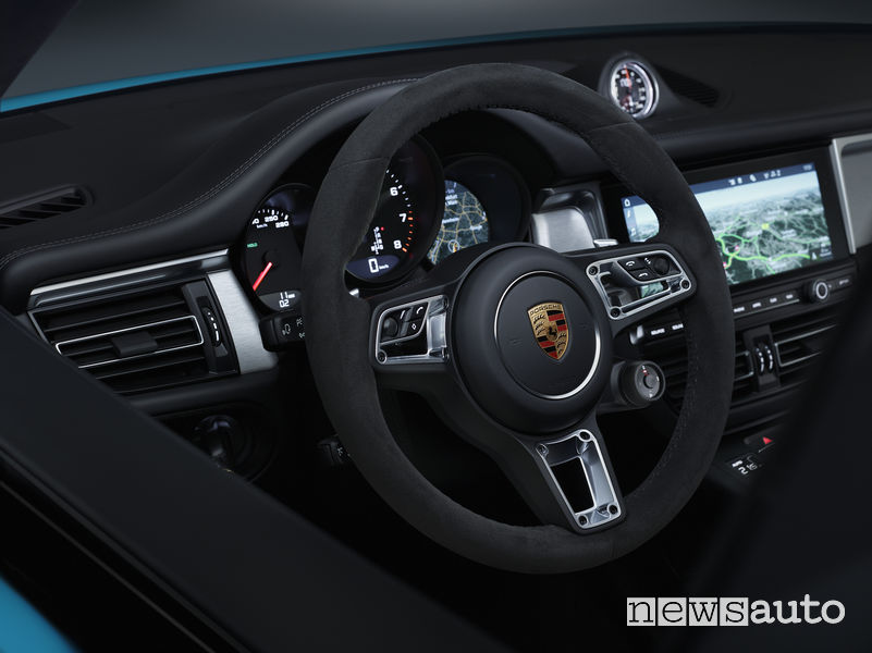 Nuova Porsche Macan volante sportivo GT