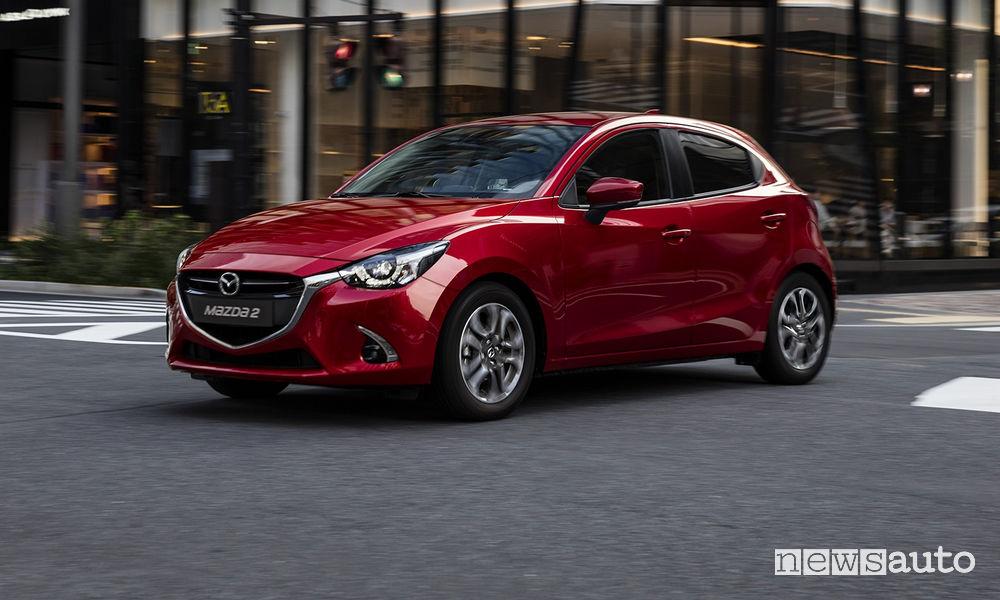 Vista di profilo Nuova Mazda2