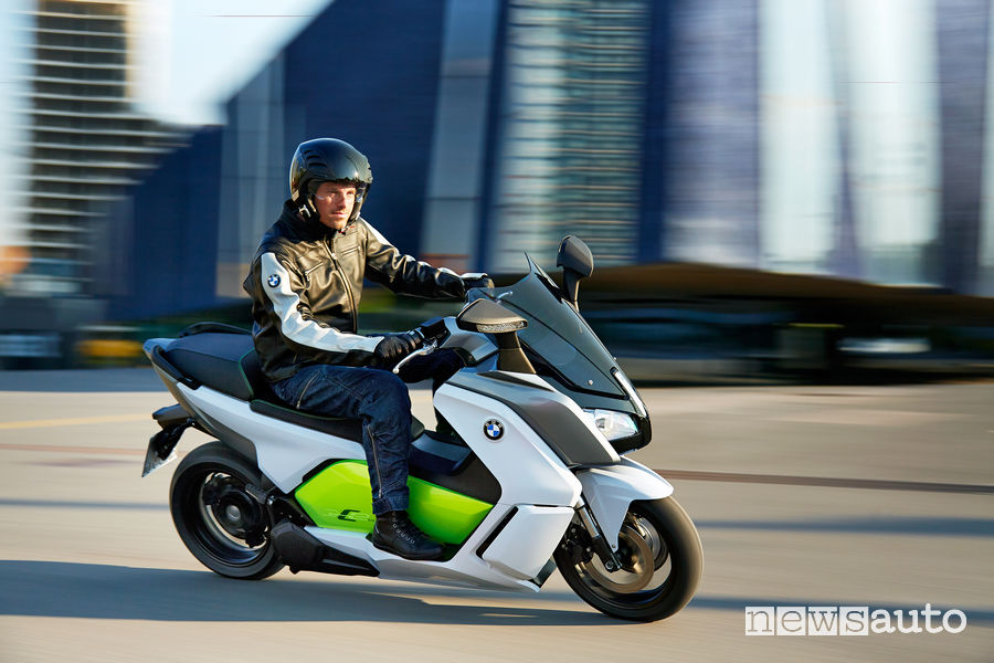 Motorini elettrici in autostrada: BMW C Evolution