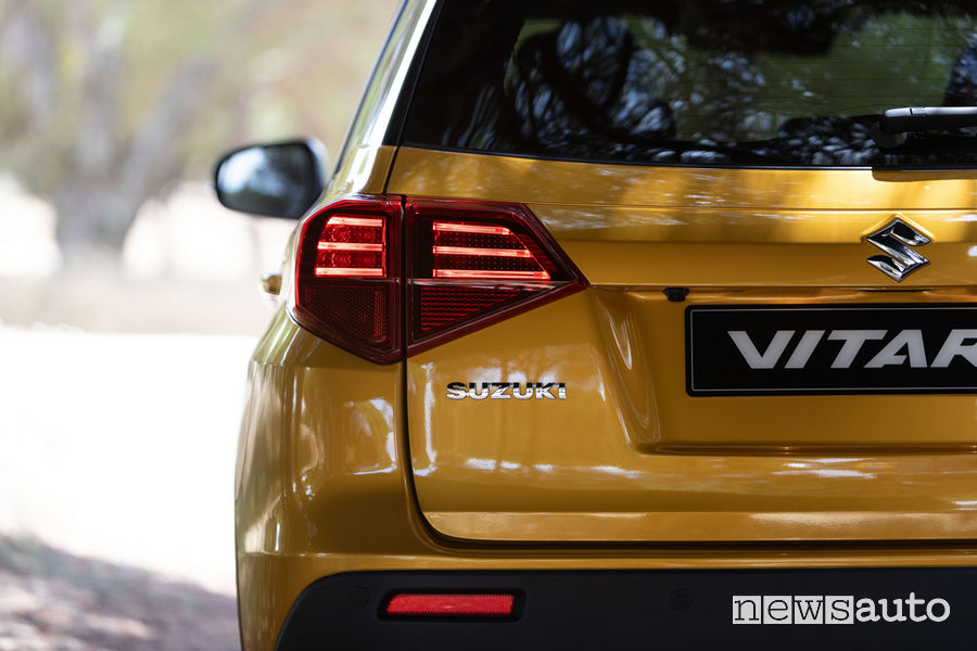 Nuova Suzuki Vitara 2019 vista posteriore