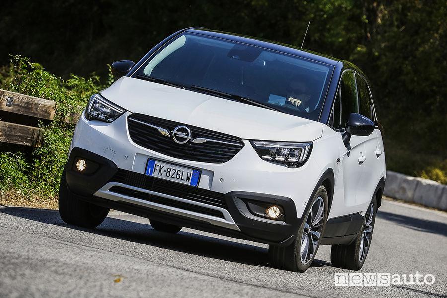 Opel Crossland X, vista frontale