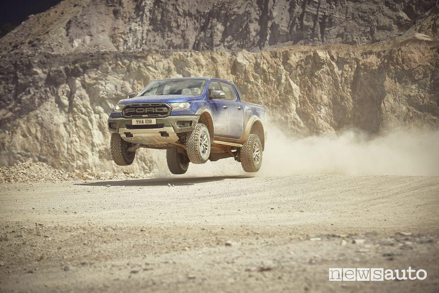 Ford_Ranger Raptor 2019 off road