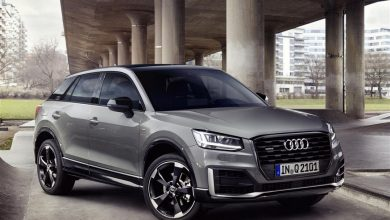 Audi Q2 2019 grigia, vista di profilo