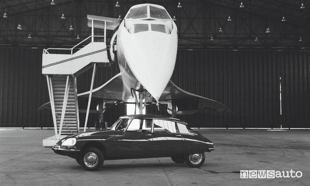 DS21 del '69 alla massima altezza sotto al naso del prototipo del Concorde