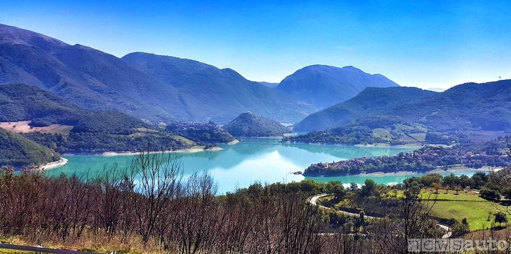 Lago del Turano vista paesi Castel di Tora Colle di Tora