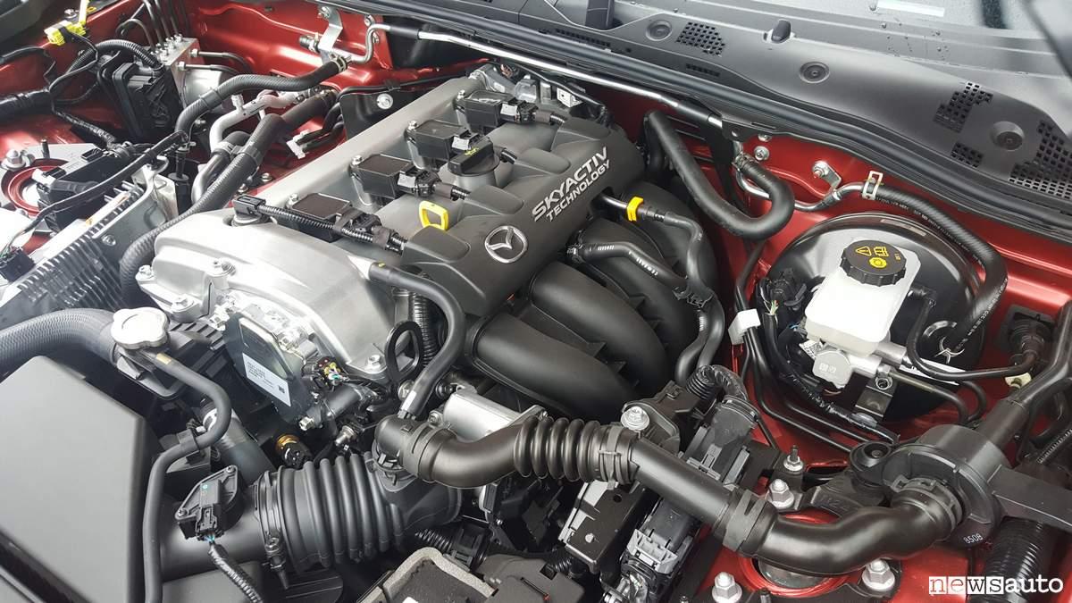 Motore Mazda MX-5 2019 2l 184 cv collettori di aspirazione
