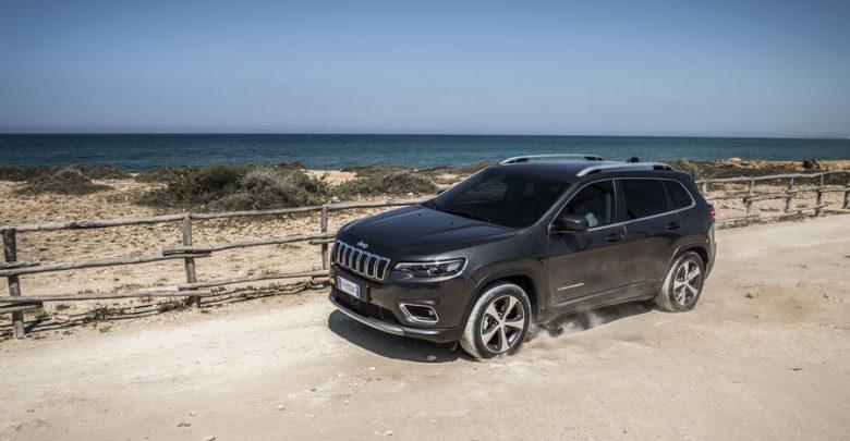 Nuova Jeep Cherokee 2019 Limited, vista di profilo
