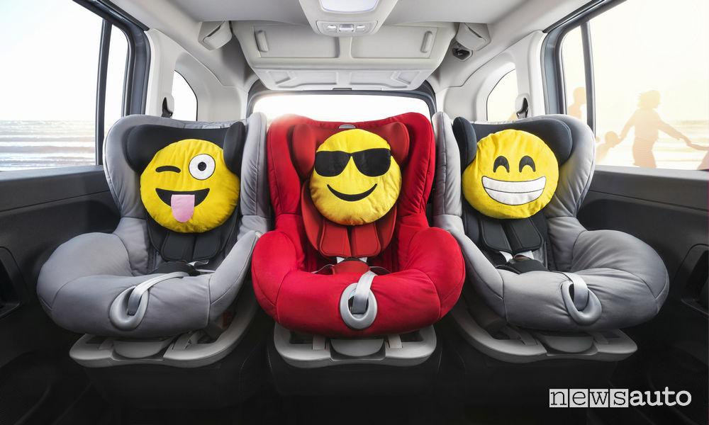 Opel_Combo Life 2019, sedili posteriori con attacchi isofix