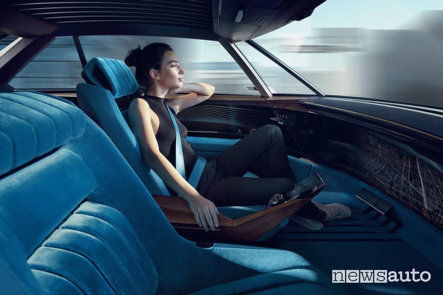 Peugeot e-Legend Concept, abitacolo guida autonoma
