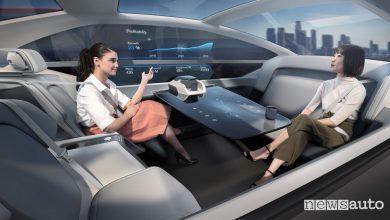Guida autonoma Volvo 360c interni, ufficio mobile