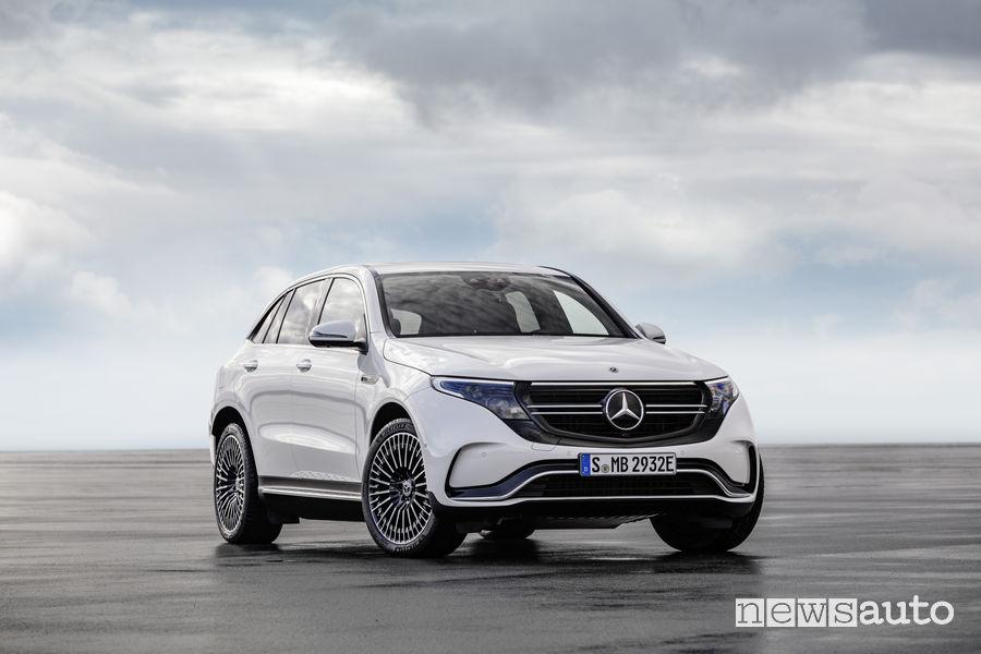 Mercedes-Benz EQC AMG Line, vista frontale