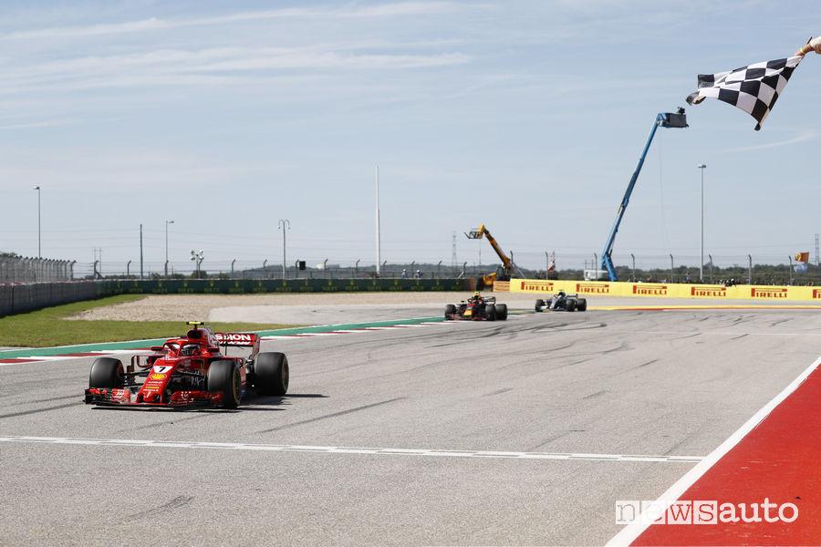 F1 2018 Gp Stati Uniti, Raikkonen (Ferrari) bandiera a scacchi