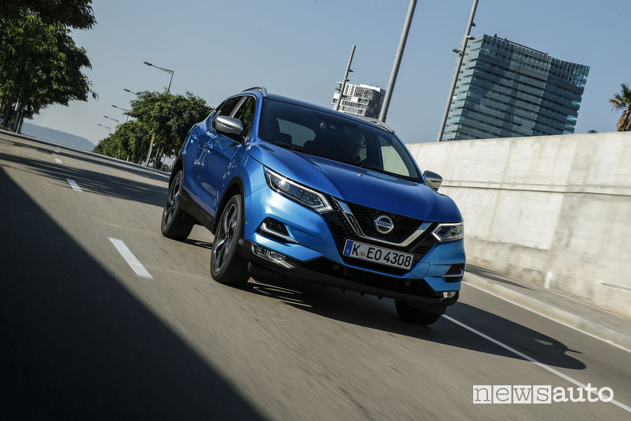 Nissan_Qashqai 2019 blue, vista frontale