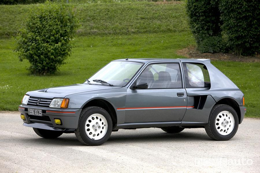 Peugeot_205_T16 stradale, vista di profilo