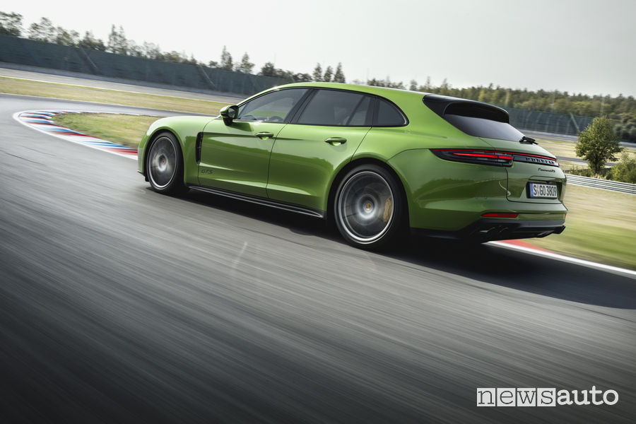 Porsche_Panamera GTS, vista posteriore
