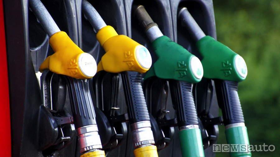 nuove etichette carburante distributore benzina