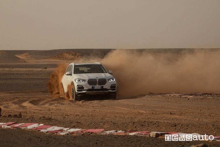 BMW_X5 nel Sahara sul circuito di Monza