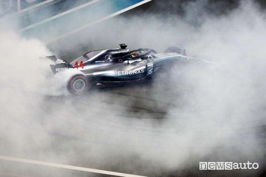 F1 2018 Gp Abu Dhabi burnout Lewis Hamilton