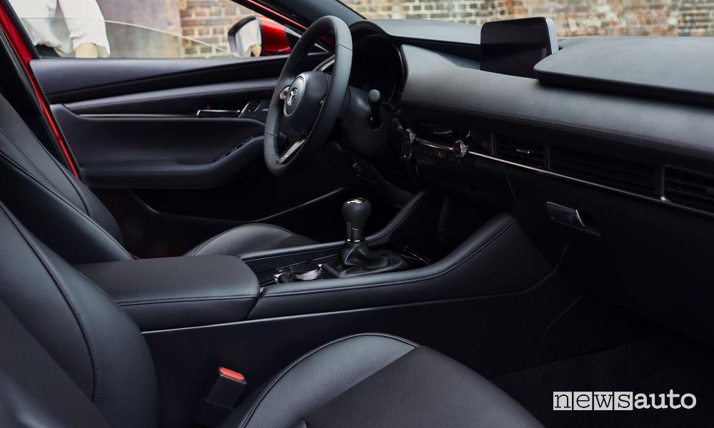 Nuova_Mazda3 hatchback, abitacolo