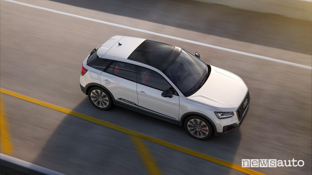 SUV sportivo Audi SQ2, vista dall'alto