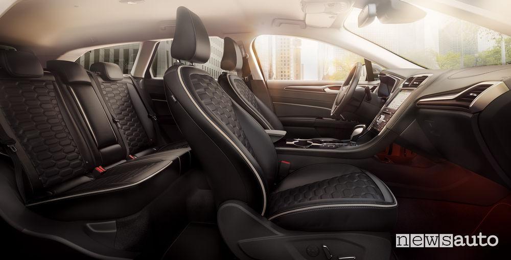 Ford Mondeo Hybrid 2019, abitacolo