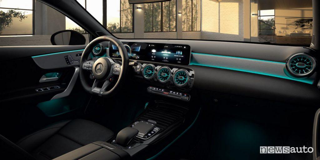 Mercedes-AMG A35 Race Edition, sistema MBUX