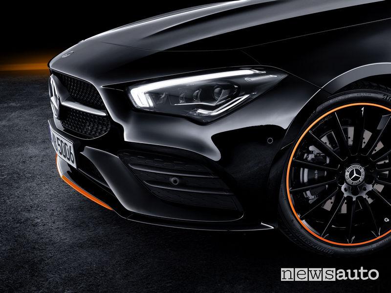 Mercedes-Benz CLA Edition Orange Art AMG Line, fari anteriori